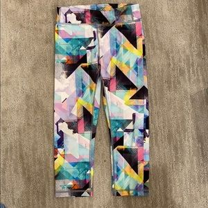 Athleta Girl pattern capris leggings